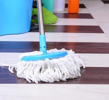 clean linoleum floors